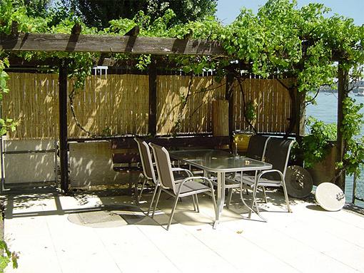 ferienwohnung am see t scherz biel bielersee 2 zi bis 4 pers 69221. Black Bedroom Furniture Sets. Home Design Ideas